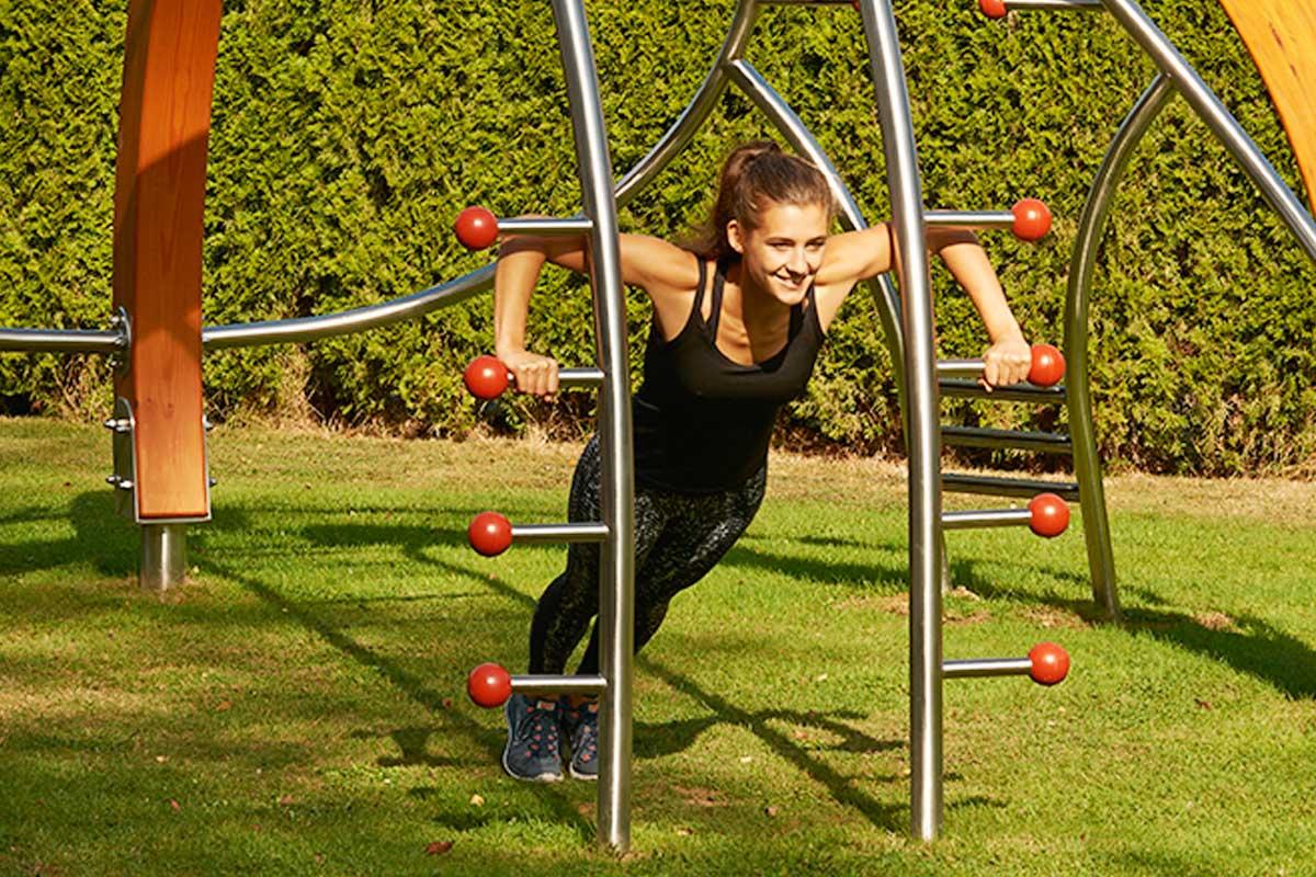 edelstahl-fitnessgeraet-multifunktionstrainer-wood_2