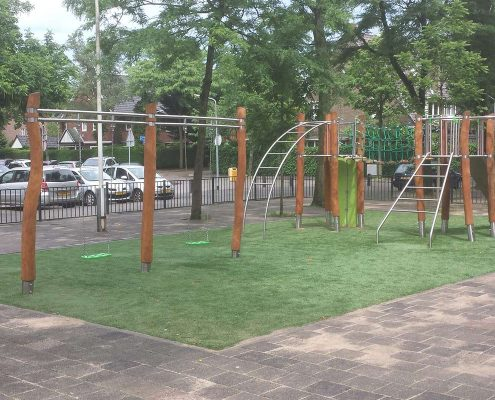 Playground equipment made of robinia and stainless steel