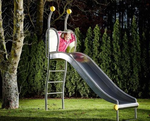 Slide bricus outside