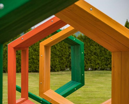 Kletterraupe tamino2 mit fünf Elementen aus Holz