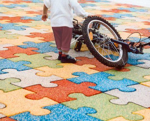Fallschutz als mehrfarbiges Puzzle